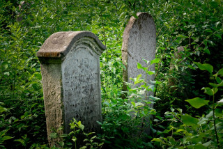 Cemeteries / בתי קברות