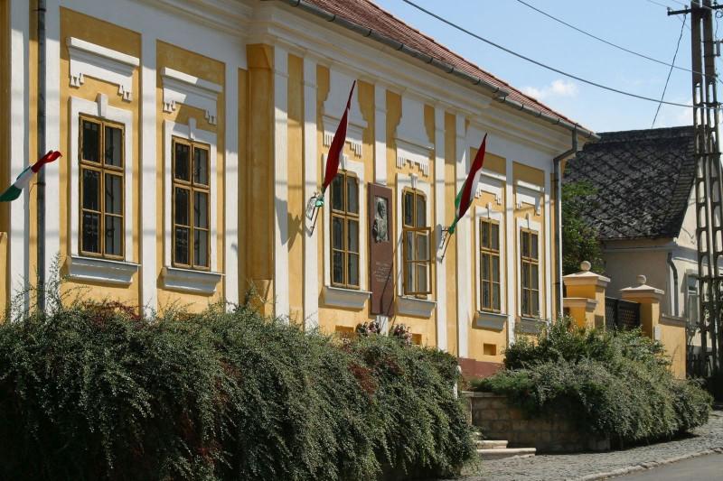The Kossuth House