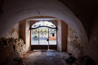 Aspremont-kúria, Mád