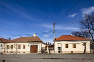 Szirmay-kúria Oroszlános Borvendéglő és Borhotel, Tállya