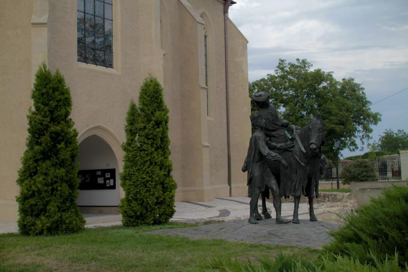 The Statue of Saint Elizabeth